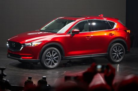 Lieu Mazda CX-5 2017 co tiep tuc 'lam mua goi gio' tai thi truong Viet? - Anh 2