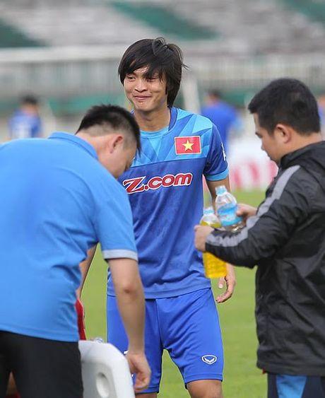 Tuan Anh lan dau tien ra san tap o Myanmar - Anh 3