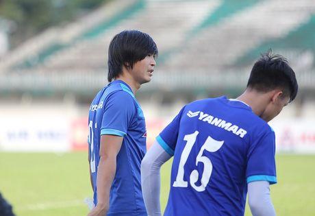Tuan Anh lan dau tien ra san tap o Myanmar - Anh 4