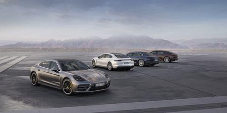 Porsche lan dau ra mat the gioi Panamera Executive 2017 - Anh 1