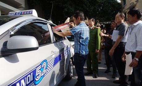Xe Taxi Ha Noi cam ket thuc hien 5 khong - Anh 1