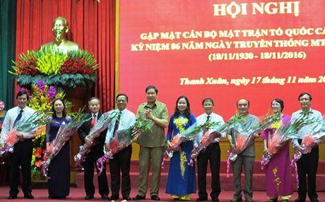 Quan Thanh Xuan: Trao 9 ky niem chuong 'Vi su nghiep dai doan ket dan toc' - Anh 1