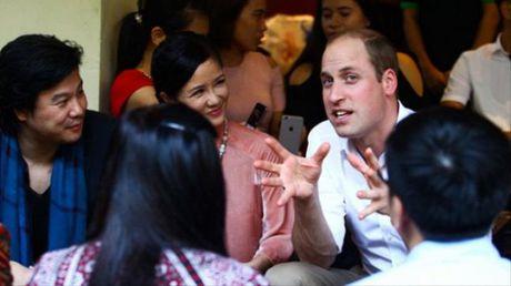 Diva Hong Nhung khoe anh chup cung Hoang tu William - Anh 4