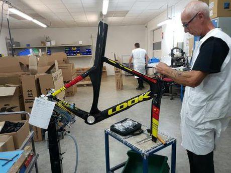 Sau Peugeot, Bianchi… Velo Chic la dai ly chinh thuc cua hang xe dap Look - Anh 1
