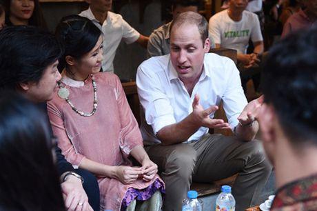 Hong Nhung, Phan Anh an tuong voi su chan tinh cua Hoang tu William - Anh 2