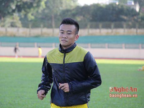 Minh Duc gia han hop dong SLNA, Hong Viet va Dinh Hiep vao Nam - Anh 1