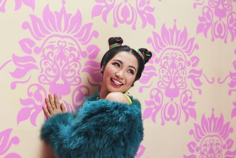 Sau nhung lum xum, Hoa Minzy khang dinh 'Song khong hoi tiec' - Anh 4