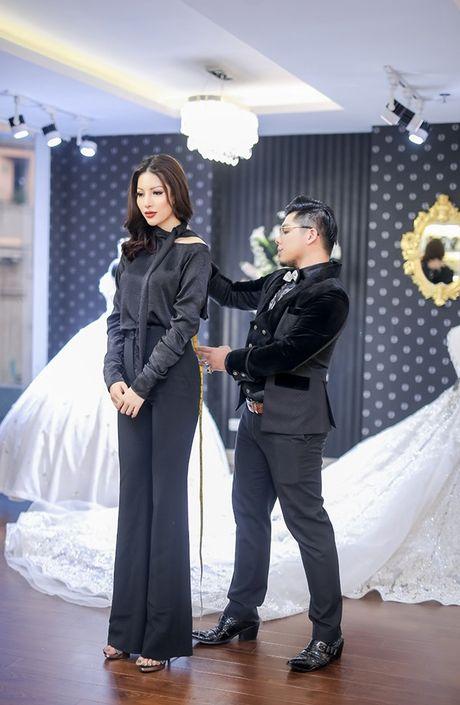 Sieu mau Kha Trang tu tin khoe eo thon, chan dai 1m19 truoc khi len duong thi Hoa hau Sieu quoc gia - Anh 6
