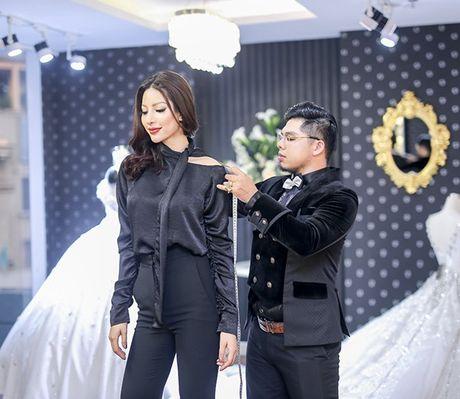 Sieu mau Kha Trang tu tin khoe eo thon, chan dai 1m19 truoc khi len duong thi Hoa hau Sieu quoc gia - Anh 7