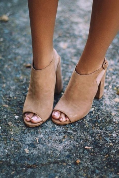 Mach ban chon cac kieu giay sandal nu hot nhat hien nay - Anh 17