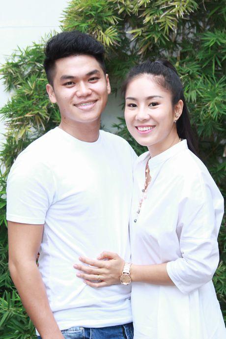 Ban trai kem tuoi ho tong Le Phuong du hop bao - Anh 2