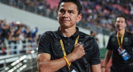 HLV Kiatisak: 'Giac mo World Cup cua Thai Lan chua dut' - Anh 1