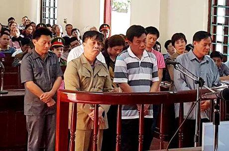 Cuu Bi thu thanh pho Vinh Yen cung 7 dong pham hau toa - Anh 1
