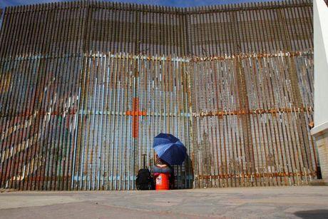 Hang rao bien gioi noi tieng My - Mexico - Anh 1