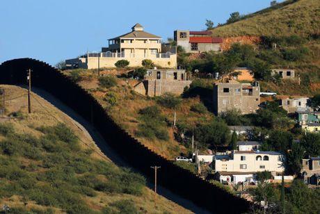 Hang rao bien gioi noi tieng My - Mexico - Anh 2