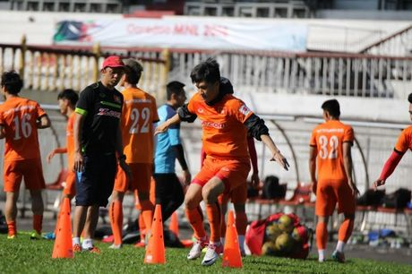 AFF Cup 2016: DTVN 'bi' an ninh theo sat 24/24h - Anh 1