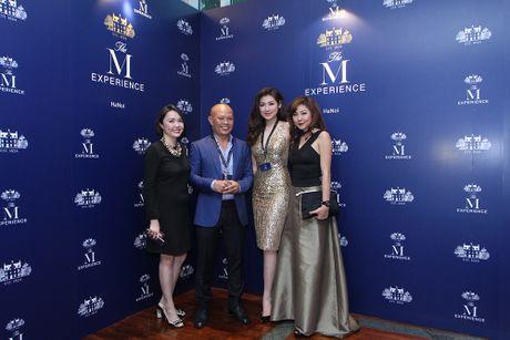 A hau Duong Tu Anh rang ro ben 'Bo ba kiet tac' nha The Macallan - Anh 2