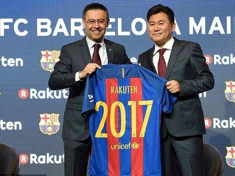 Barcelona ky hop dong tai tro ao dau khung voi tap doan Nhat Ban - Anh 1