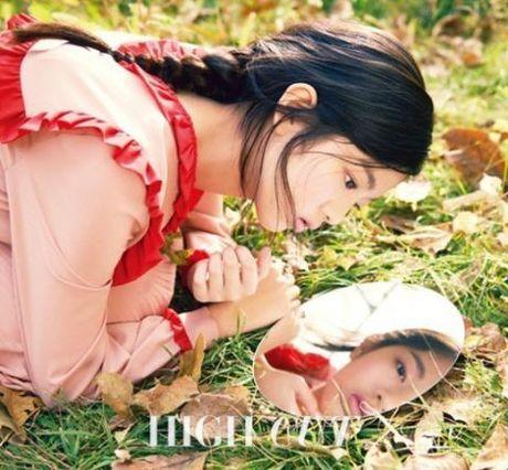 Chi Pu dang duoc showbiz Han vi voi 2 'nu than' nay... - Anh 6