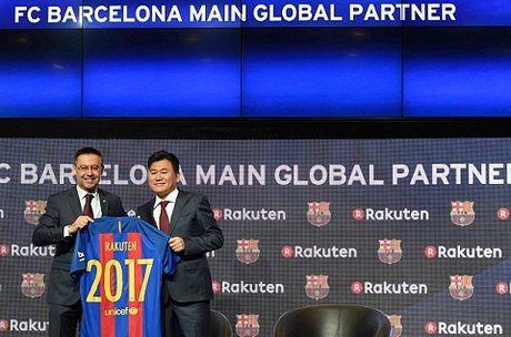 Nho Pique va Shakira, Barca thua tien de 'troi chan' Messi - Anh 5