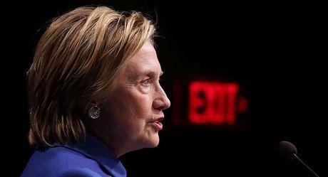 Ba Clinton lan dau xuat hien va chinh thuc len tieng sau 'that bai' tai bau cu My - Anh 1