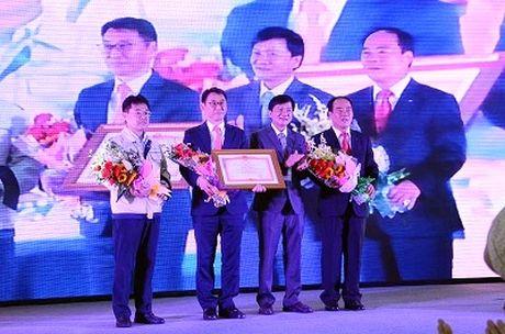Doosan Vina don nhan bang khen cua Thu tuong Chinh phu - Anh 1