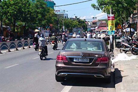 Hang loat sieu xe bien 'khung' cua dai gia Hue vao tam ngam - Anh 3