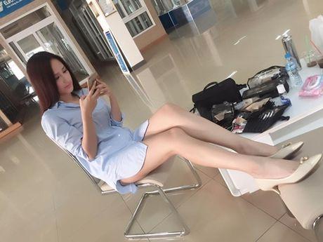 Dang ngoi it ai ngo ngoai doi thuc cua Mai Phuong Thuy - Anh 1