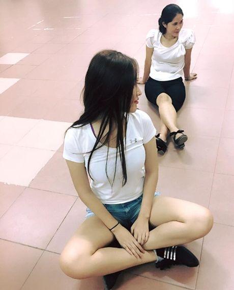 Dang ngoi it ai ngo ngoai doi thuc cua Mai Phuong Thuy - Anh 3