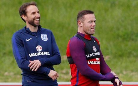 Diem tin chieu 18/11: Rooney sap mat bang doi truong; Tuan Anh lo tran ra quan - Anh 1