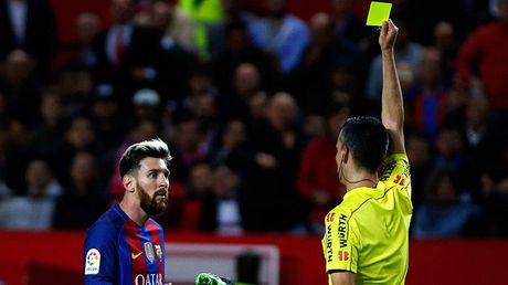 Barca quyet doi lai cong bang cho Messi - Anh 1