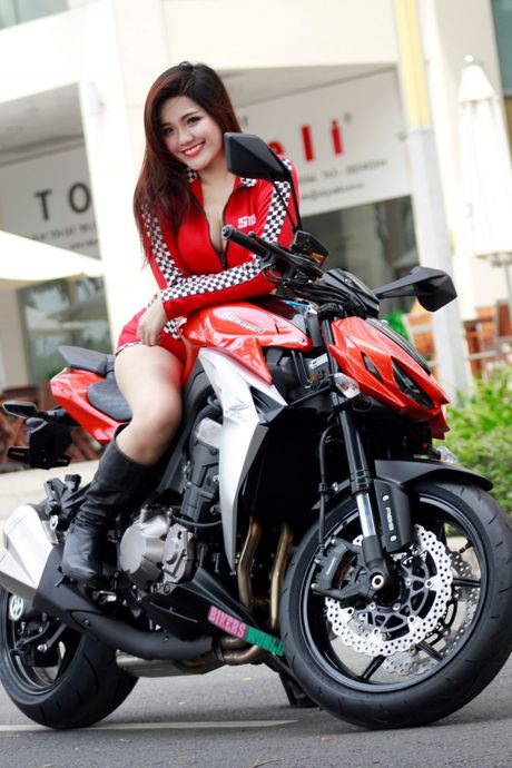 Bong hong 'sexy nong bong' ben Kawasaki Z1000 - Anh 2
