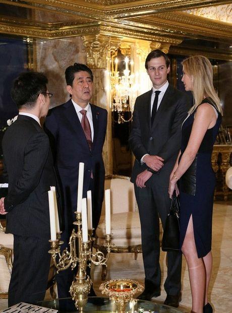 Tong thong dac cu Donald Trump gap Thu tuong Nhat Abe - Anh 6