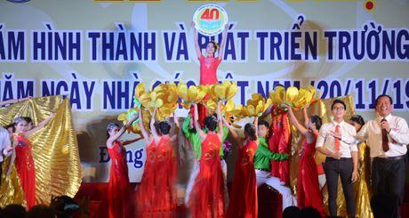 Ngay hoi lon cua Truong DH Dong Nai - Anh 1