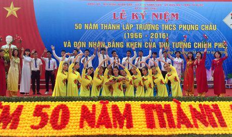 Truong THCS Phung Chau don nhan Bang khen cua Thu tuong Chinh phu - Anh 1