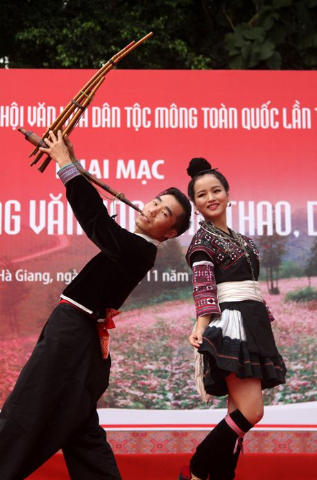 Tung bung Ngay hoi van hoa dan toc Mong toan quoc - Anh 8