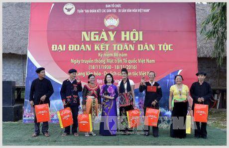 """Khai mac Tuan """"Dai doan ket cac dan toc – Di san van hoa Viet Nam"""" - Anh 1"""