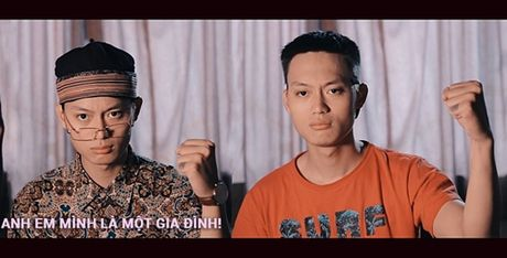 The he vlogger moi 'chat chem' vui chang kem cac 'tien boi' - Anh 2