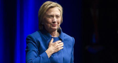 Ba Clinton 'khong muon ra khoi nha' sau that bai - Anh 2