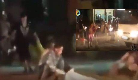 HN: Nguoi dan 'lieu linh' ra duong xuc ngo roi tu xe tai - Anh 1