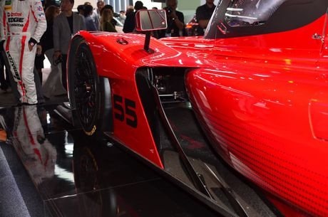 An tuong voi mau xe dua 'cuc di' RT24-P cua Mazda - Anh 4