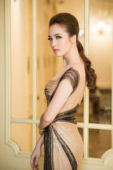 A hau Thuy Van hoa nu than, lan at nhan sac Hong Nhung, My Linh - Anh 1