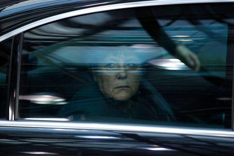 Obama roi chinh truong, ba Merkel se 'co don tren cao'? - Anh 1