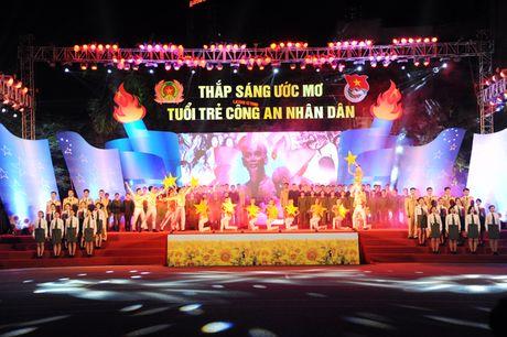 Thap sang uoc mo cua tuoi tre Cong an nhan dan - Anh 1