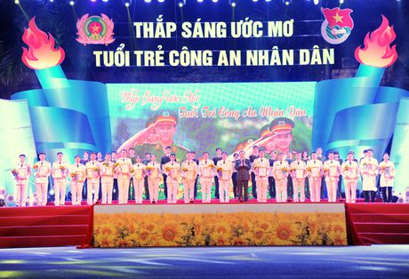 Thap sang uoc mo cua tuoi tre Cong an nhan dan - Anh 4
