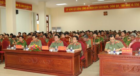 Thu truong Bui Van Nam lam viec voi Cong an Quang Binh - Anh 1