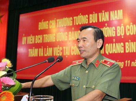 Thu truong Bui Van Nam lam viec voi Cong an Quang Binh - Anh 7