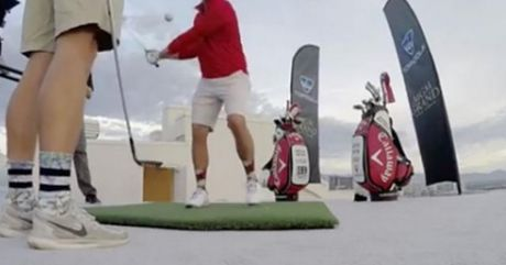 Danh golf sieu pham: 1 gay trung lo o do cao 500m - Anh 1