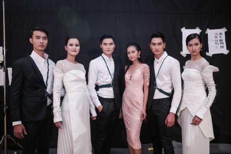 "Ngoc Chau tai ngo mo man show dien ""Xu huong va phong cach"" - Anh 4"