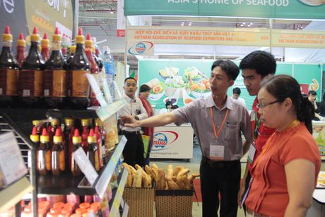 LOTTE Mart tham gia trien lam quoc te cong nghiep thuc pham Viet Nam 2016 - Anh 1